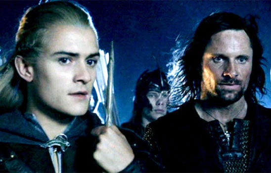 As unique characters played by hot actors, Legolas and Aragorn are naturally meant for one another.