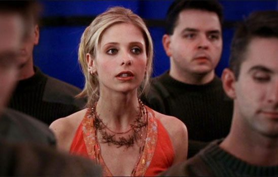 Buffy in with soldiers
