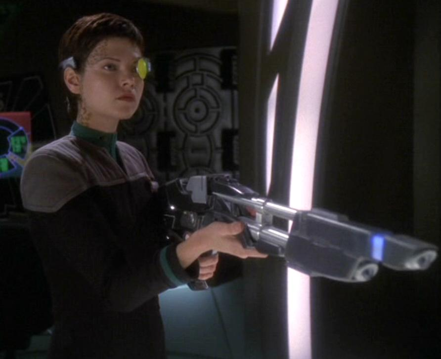 Ezri with the TR-116 and eyepiece.