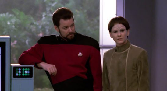 Riker and Soren from TNG's the Outcast.