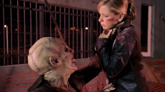 Buffy fighting an ubervamp