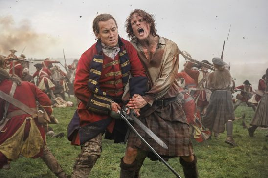 An Englishman and Scotsman fighting in battle